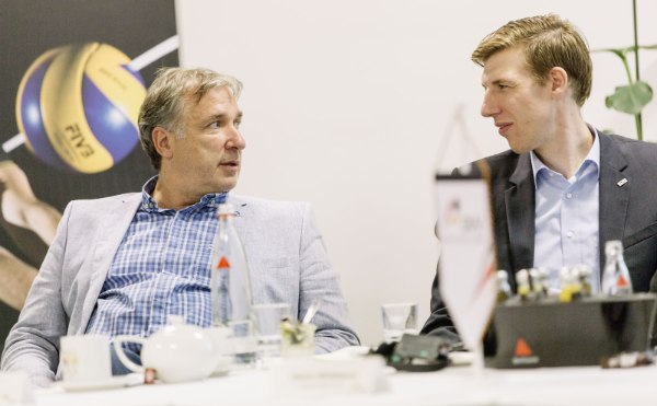 VBL-Präsident Michael Evers und DVV-Athletensprecher Max Günthör (Foto: Marcus Windus/DVV)