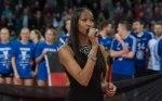 Norisha Campbell singt beim DVV-Pokalfinale die Nationalhymne (Foto: Conny Kurth, www.kurth-media.de)