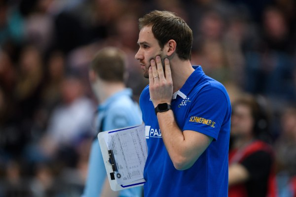Felix Koslowski, Bundestrainer und Vereinstrainer vom SSC Palmberg Schwerin, fiebert den Volleyball-Höhepunkten entgegen. (Foto: Conny Kurth)