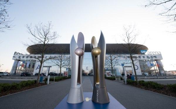 Um diese beiden Pokale geht es am 29. Januar 2017 in Mannheim (Foto: Conny Kurth, www.kurth-media.de)